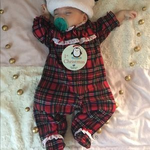 3 Holiday time baby outfit